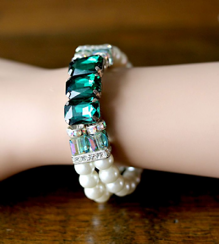 Emerald and Swarovski Pearl Bracelet